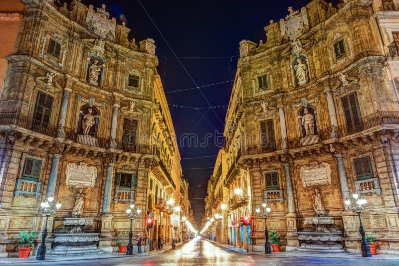 Central fyrkant Quattro Canti i Palermo, Italien royaltyfri bild