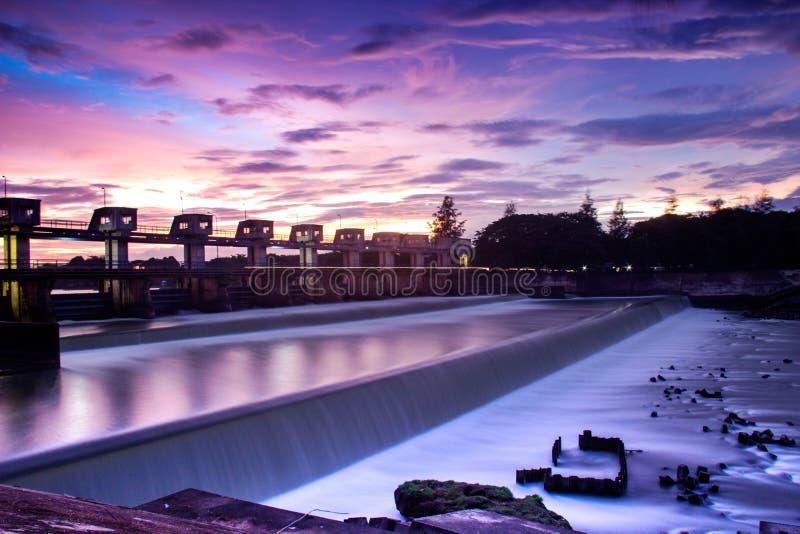 Central hidroeléctrico foto de archivo libre de regalías