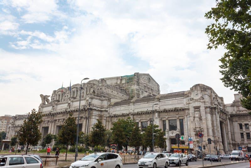 central milan station royaltyfria foton