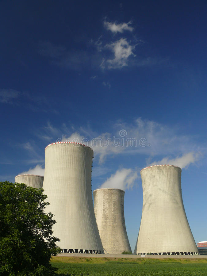 Central nuclear fotos de stock