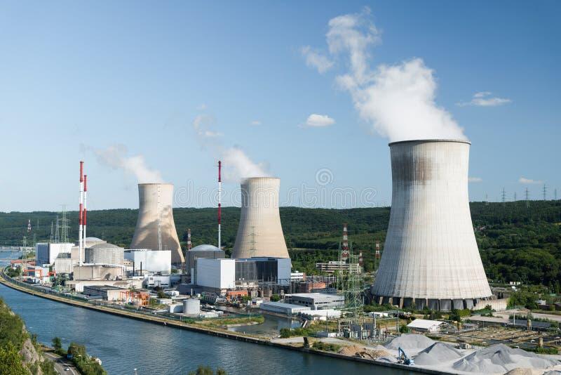Central nuclear de Tihange foto de stock