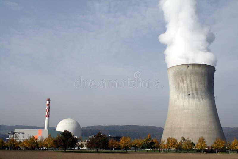 Central nuclear en Leibstadt, CH imagen de archivo