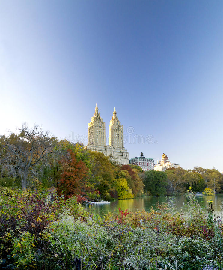 Central Park Manhattan: Panoramic View Of Central Park Lake At Fall Stock Image
