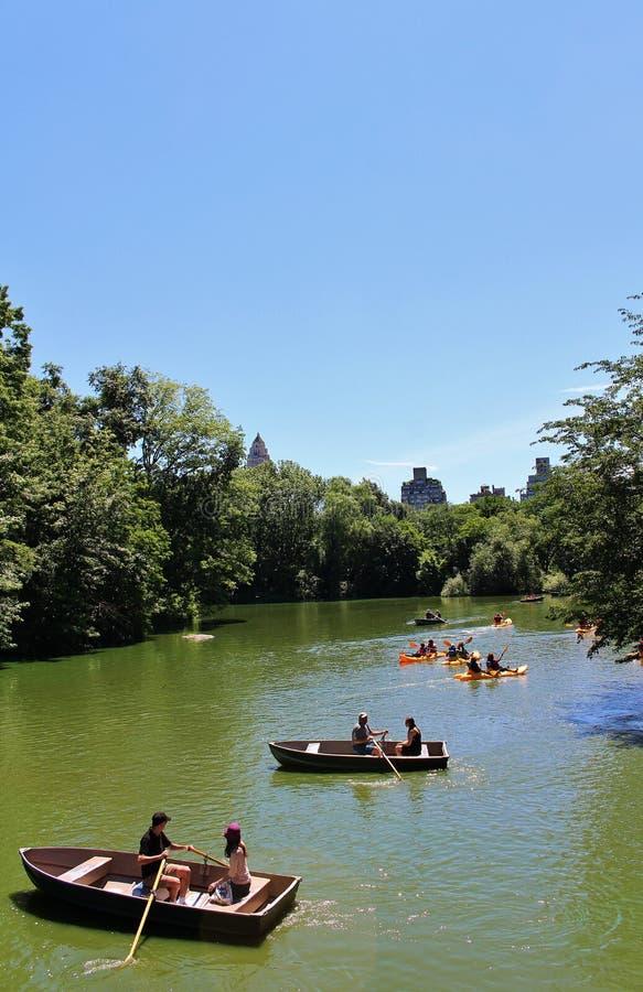 Download Central Park, New York redactionele stock foto. Afbeelding bestaande uit mensen - 54081348
