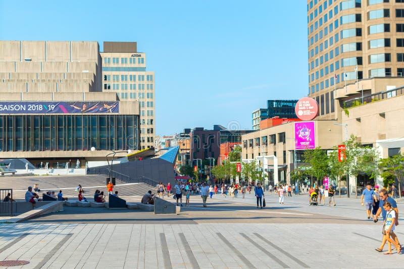 Central Place des Arts Square in Montreal de stad in, Canada royalty-vrije stock foto's
