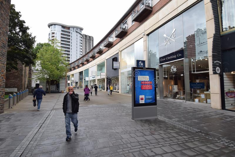 Central shopping arkivfoton