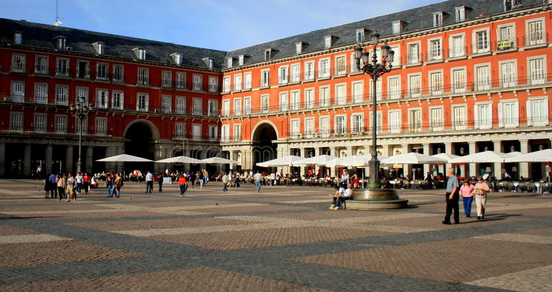 Download Central Square editorial stock photo. Image of city, iberia - 43143803