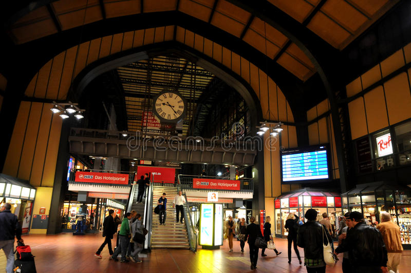 Download The Central Station Of Hamburg. Editorial Image - Image: 28784175