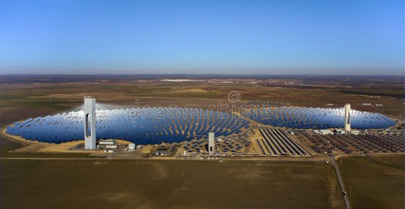 Central térmico solar imagen de archivo