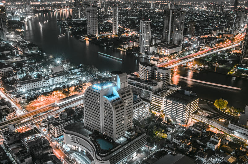 Central värld (CTW) de berömda shoppinggalleriorna i centrum av Bangkok royaltyfri foto
