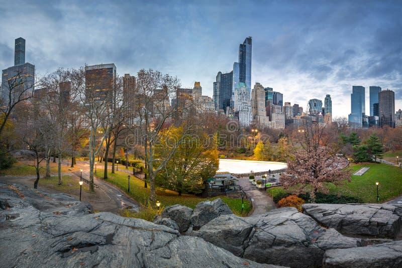 Centrala park przy jesień rankiem fotografia stock