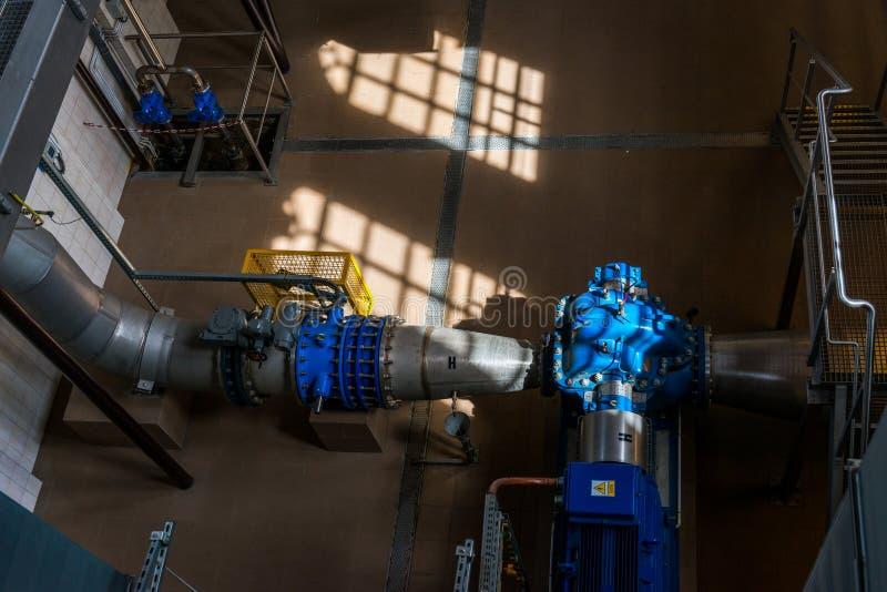 Centrala pompuje stacyjnego budynek przy Warszawską wodną filtraci stacją obrazy royalty free