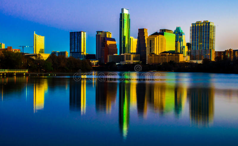 Centrala Texas Magical Skyline Reflection Austin Texas royaltyfria bilder