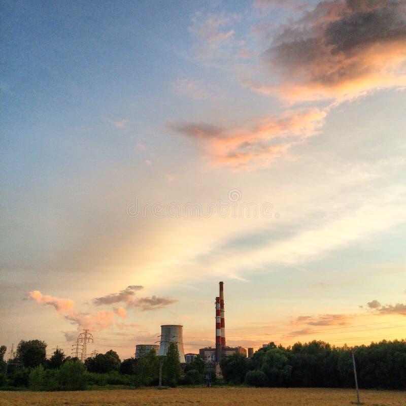 Download Centrale électrique photo stock. Image du sunset, électricité - 56482096