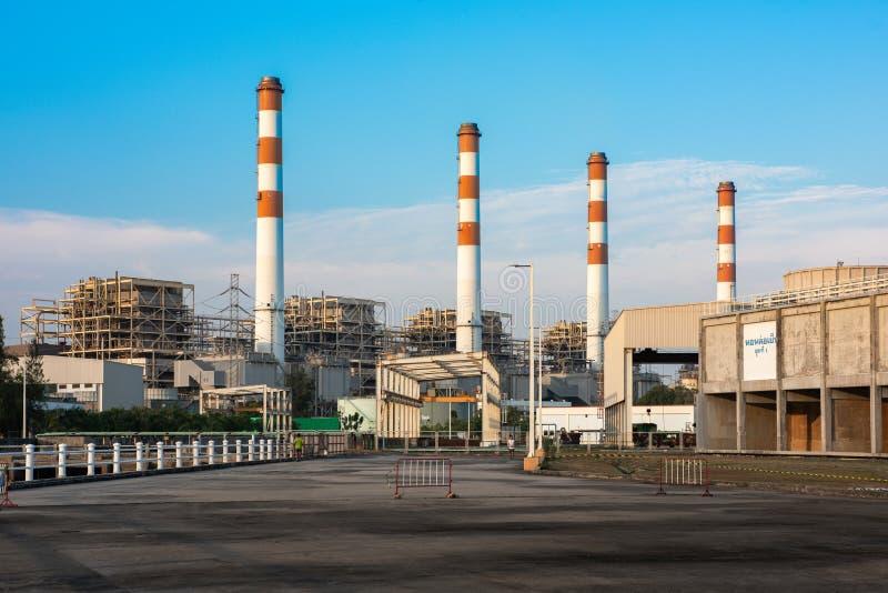Centrale électrique de Bangpakong, concept énergétique, ciel nocturne photos stock