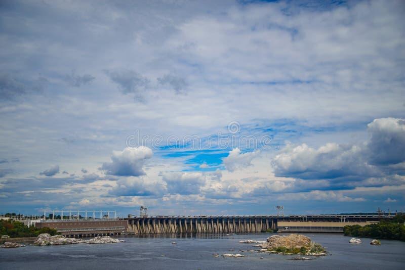 Centrale électrique hydraulique photo stock