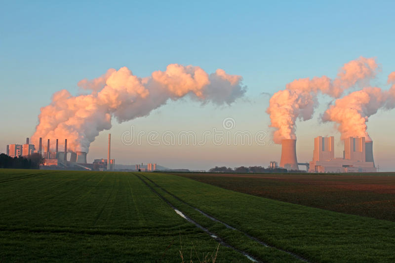 Centrale de lignite images stock