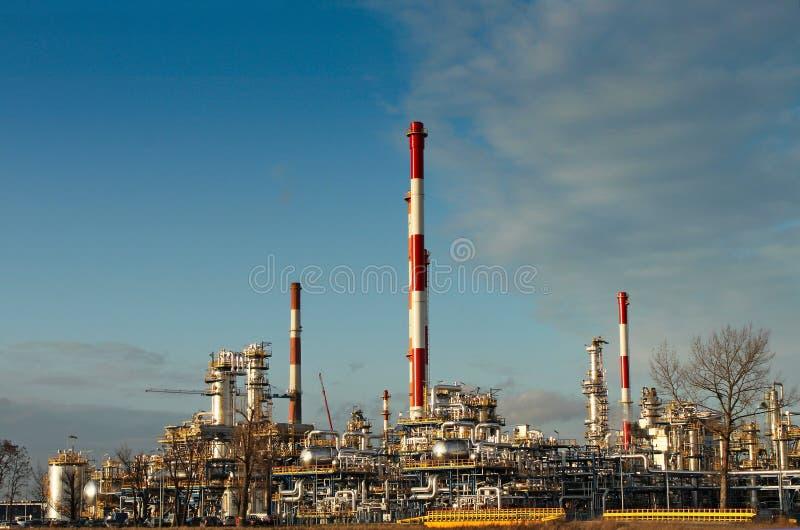 Centrale de raffinerie de pétrole image libre de droits