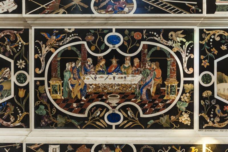 Centrale do altare do dell de Paliotto ': L 'cena do ultima, em Major Chapel Cappella Maggiore e Altare Maggiore de di Santa  foto de stock