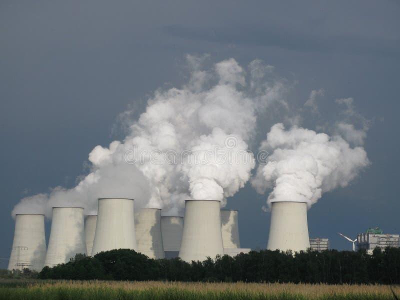 Centrale elettrica a carbone, cambiamento di clima immagini stock