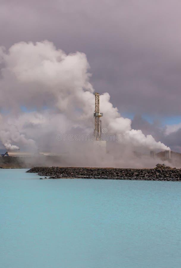 Centrale elettrica di energia geotermica, Islanda. fotografie stock libere da diritti