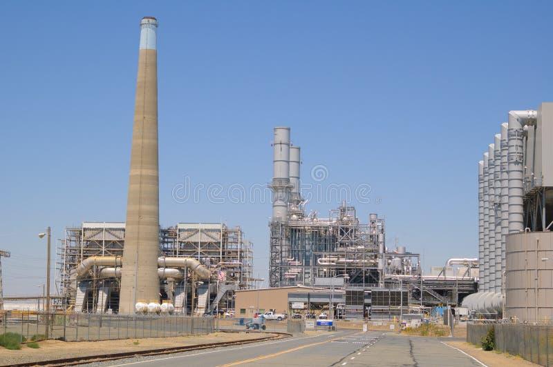 Download Centrale Elettrica Elettrica Fotografia Stock - Immagine di combustione, commercio: 30825744