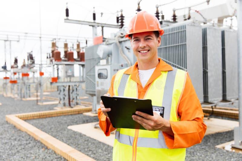 Centrale elettrica elettrica del lavoratore fotografia stock libera da diritti