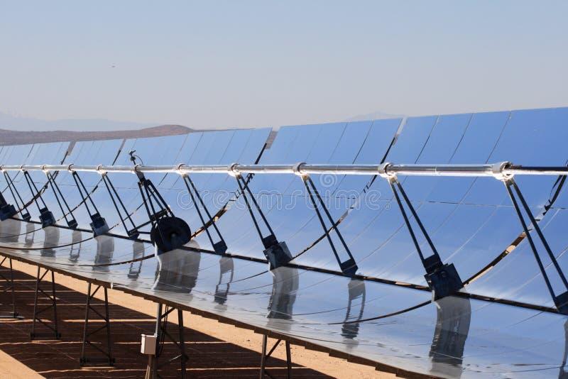 Centrale elettrica a energia solare fotografia stock