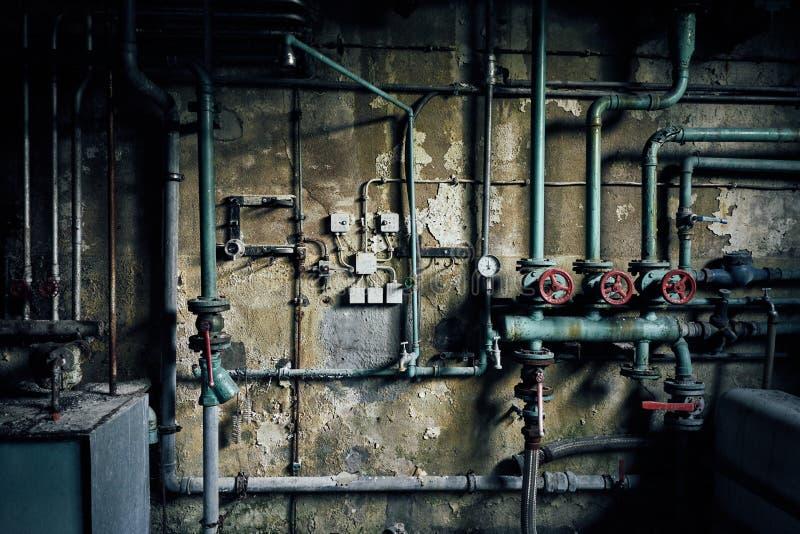 Centrale elettrica industriale della costruzione della fabbrica del vecchio abandonend perso fotografia stock libera da diritti