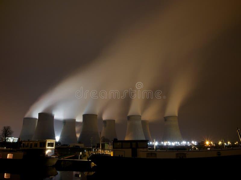 Centrale elettrica infornata carbone fotografie stock libere da diritti