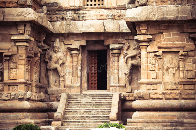 Centrale ingang bij de Tempel van Gangaikonda Cholapuram. Grote archite stock foto