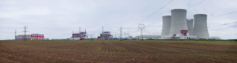 Centrale nucleare - panorama fotografie stock libere da diritti