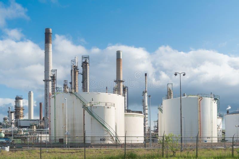 Centrale pétrochimique à Rotterdam images libres de droits