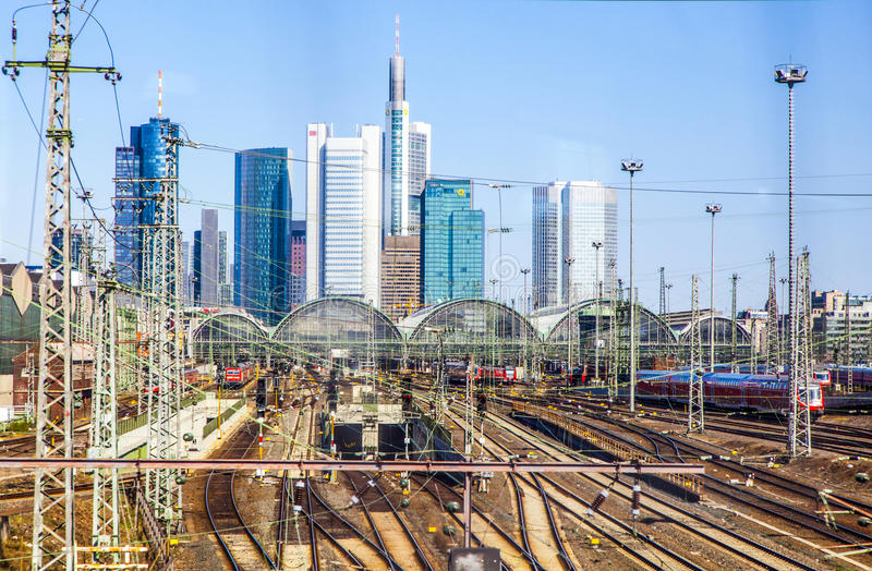 Centrale Post en Horizon van Frankfurt-am-Main royalty-vrije stock foto