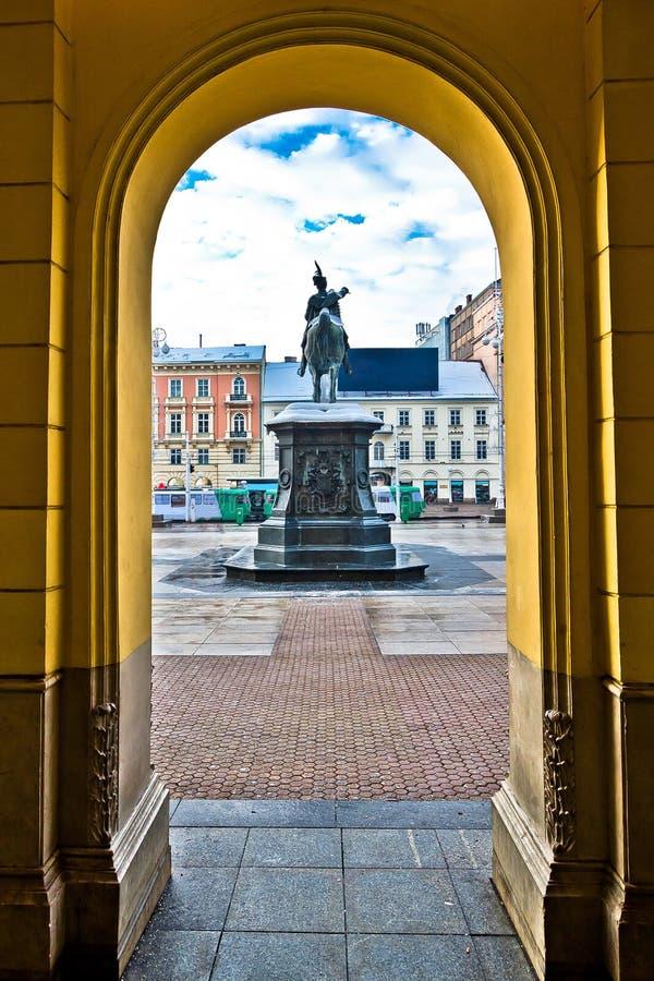 Centrale vierkante de arcademening van Zagreb royalty-vrije stock foto's