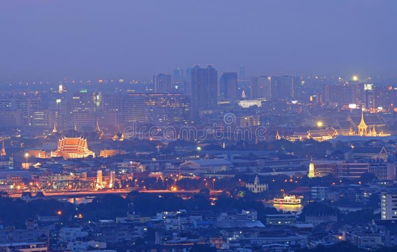 Centrale Wereld (CTW) de beroemde winkelcomplexxen binnen de stad in van Bangkok royalty-vrije stock fotografie