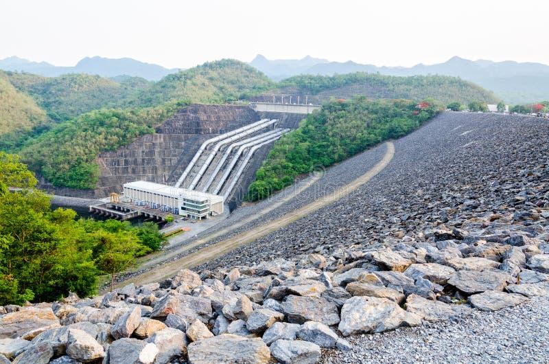 Centrales hydroélectriques image stock