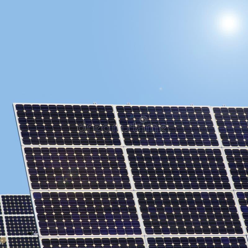 Centrales solaires images libres de droits