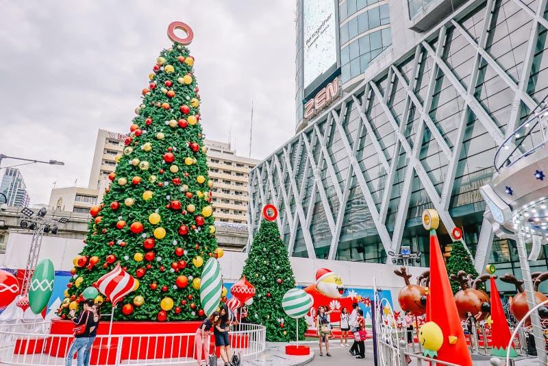 Centralworld-Einkaufszentrum, begrüßen zu Weihnachts- und guten Rutsch ins Neue Jahr-Festival 2019 nahe Ratchaprasong-Kreuzung in lizenzfreie stockfotos
