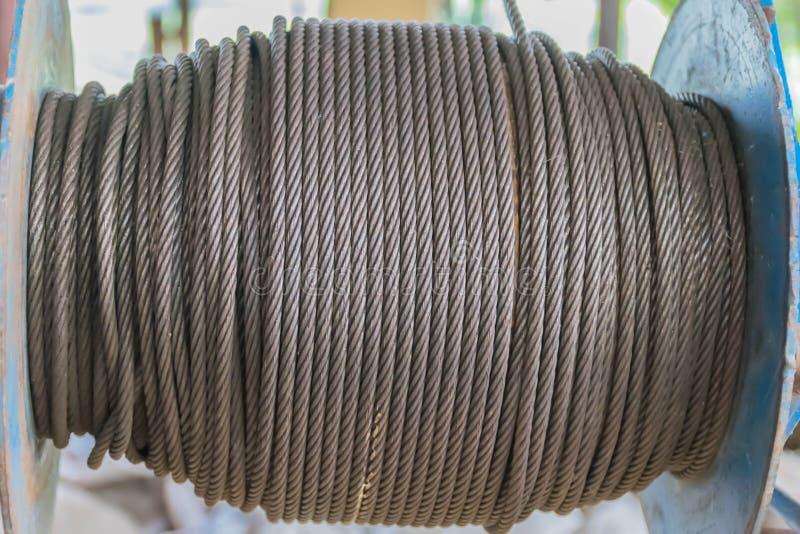 Centre brouillé et mou de doux abstrait de la texture extérieure de la vieille barre d'acier, fil de fer, tige en acier, vieille  photo libre de droits