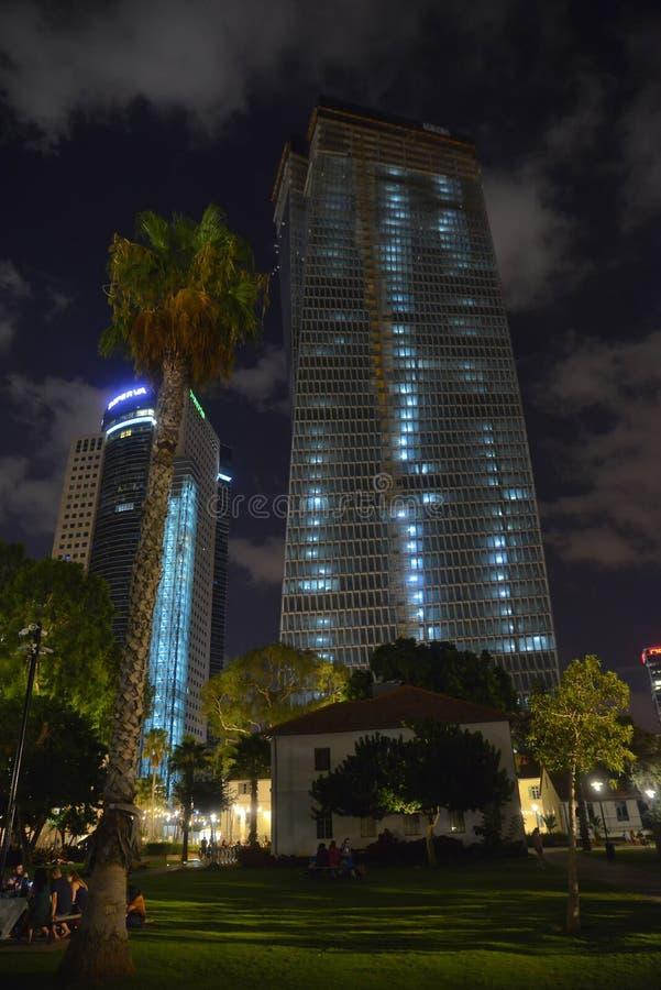 Centre commercial d'air ouvert de Sarona à Tel Aviv - en Israël photographie stock libre de droits