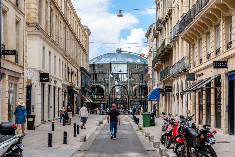 Centre commercial de Hommes de Grands de Les en Bordeaux photographie stock libre de droits
