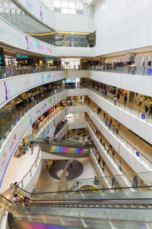 Download Centre Commercial De Hong Kong Avec Des Clients Image éditorial - Image du foule, hong: 56478300