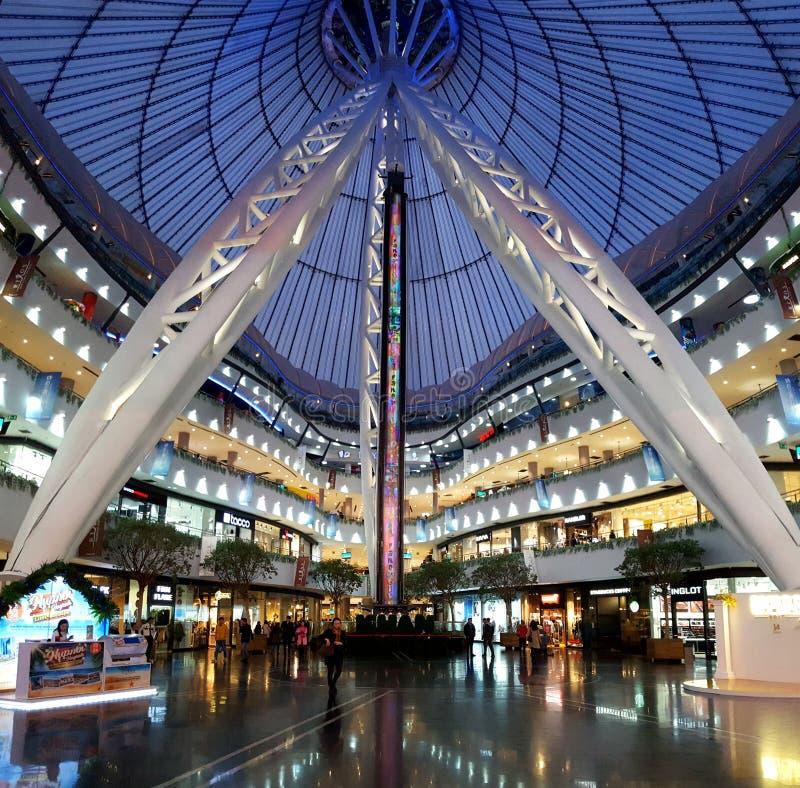 Centre commercial de Khan Shatyr Astana images libres de droits