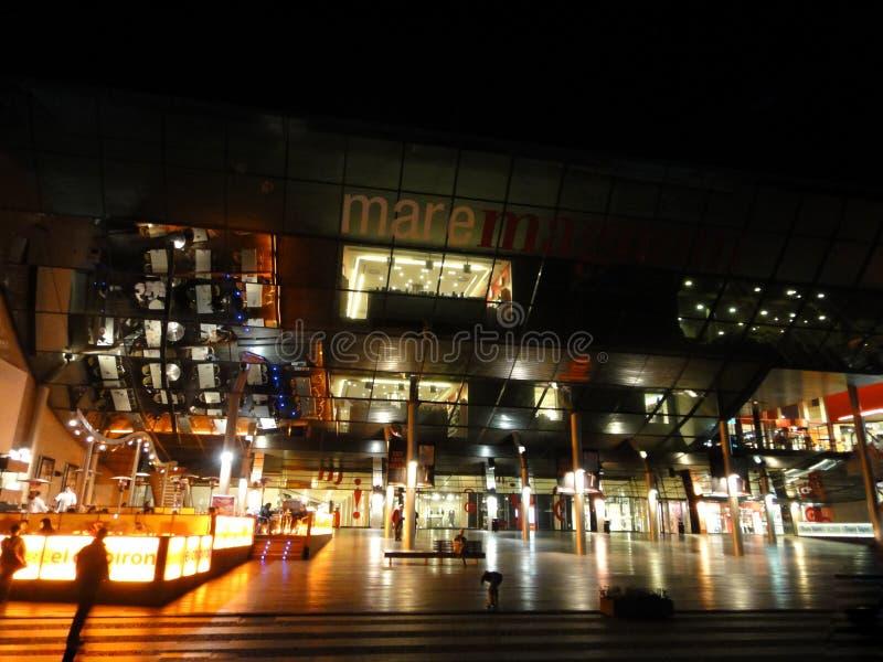Download Centre Commercial De Mare Magnum à Barcelone Photographie éditorial - Image du célèbre, illumination: 56486102