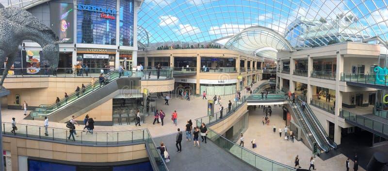 Centre commercial de trinité de Leeds images stock