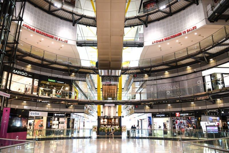Centre commercial des arènes De Barcelone photos stock