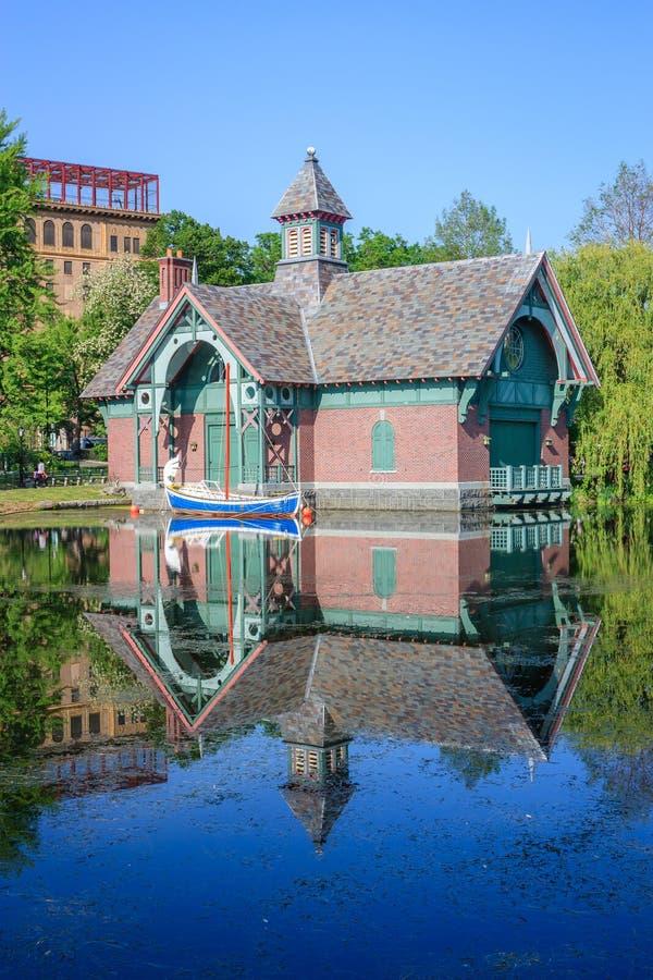 Centre de découverte de Charles A Dana Discovery Center - Central Park, New York City images stock