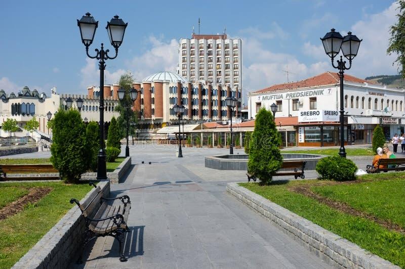 centre de la ville moderne de Novi Pazar, Serbie image stock