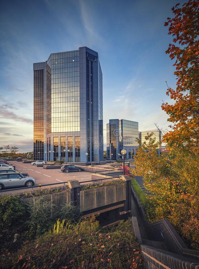 Centre de plaza de Telford avec le parking environnant à l'automne images libres de droits